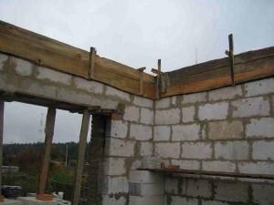Из каких материалов построить несущие стены