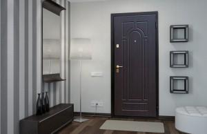 Входная металлическая дверь с внутренней отделкой