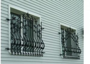 Изготовление и монтаж кованых решеток