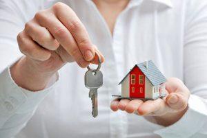 Кому чаще всего отказывают в посуточной аренде жилья