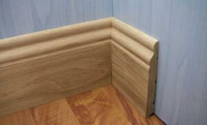 Преимущества деревянных плинтусов