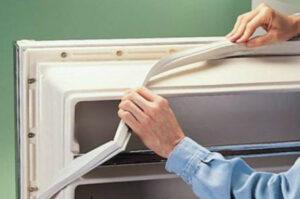 Уплотнительная резинка к двери холодильника